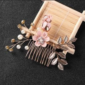 Beautiful crystal crown hair jewelry/comb
